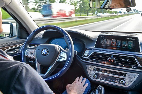 Autonom bil selkjørende